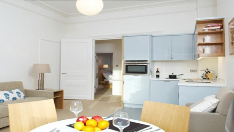 Dining area in Doughty Street - Citybase Apartments