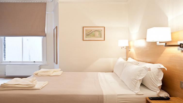 Bedroom in Doughty Street - Citybase Apartments