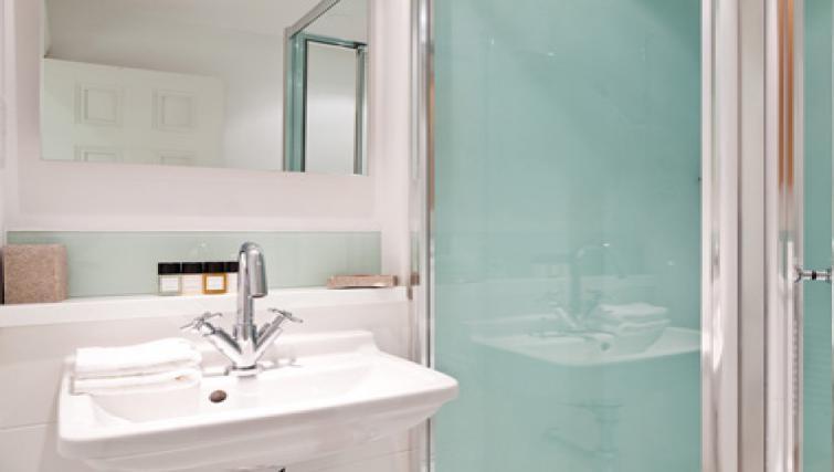 Bathroom in Doughty Street - Citybase Apartments