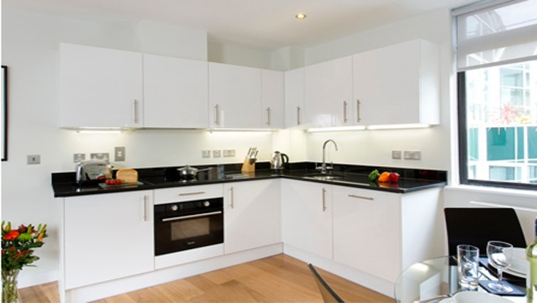 Bright kitchen in SACO St Pauls - Red Lion Court - Citybase Apartments