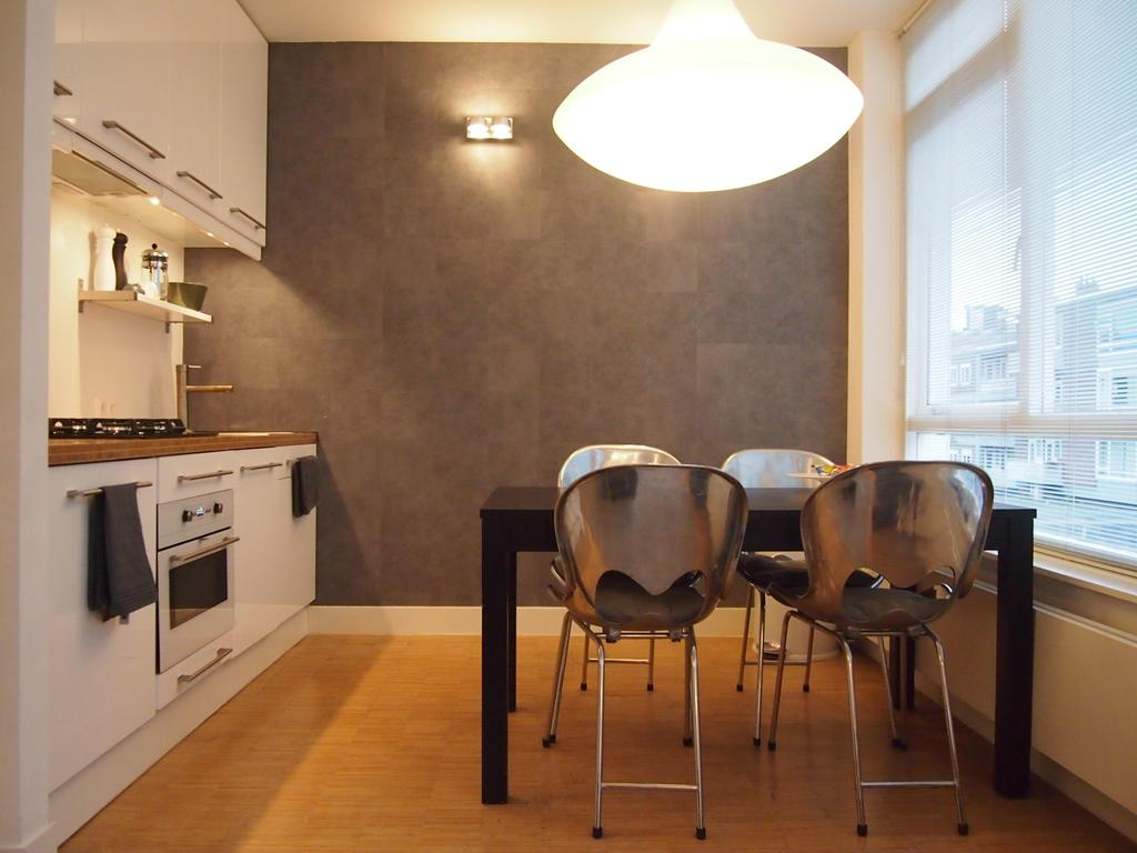 Dining area at Cocoon Apartment, Centre, Rotterdam - Citybase Apartments