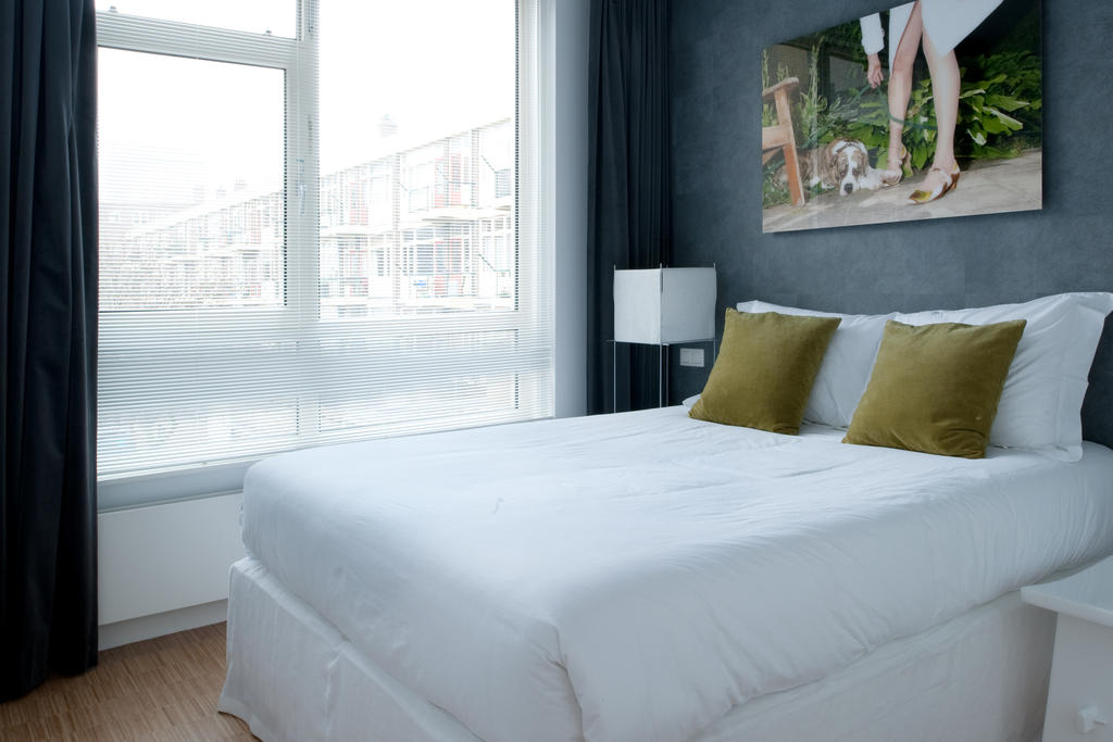 Bedroom at Cocoon Apartment, Centre, Rotterdam - Citybase Apartments