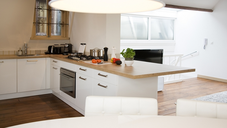Bright kitchen at Rooftop Suites - Citybase Apartments