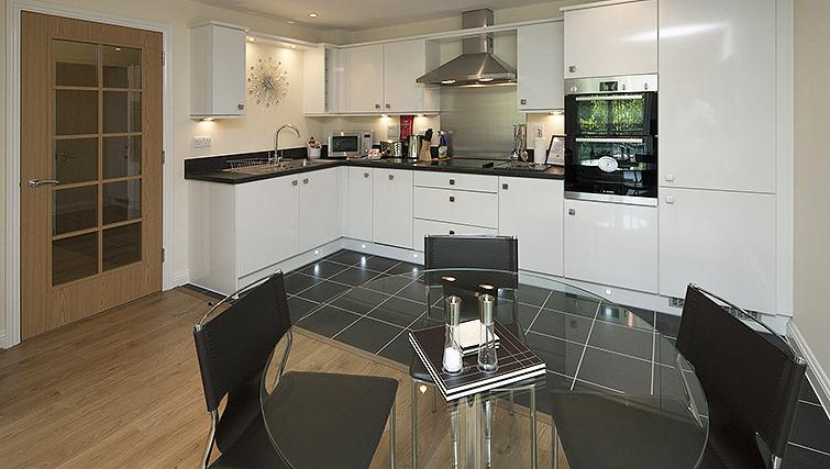Stylish kitchen in Equinox Place - Citybase Apartments