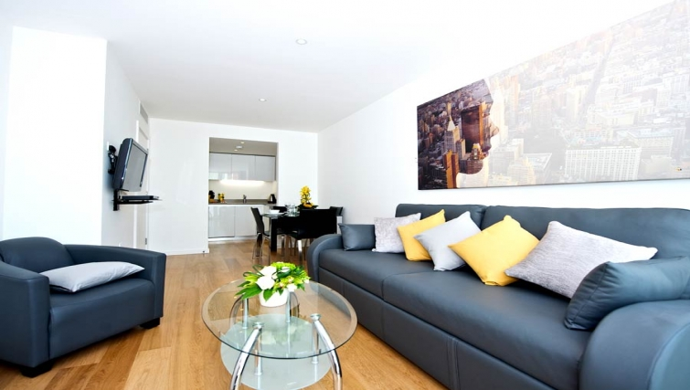 Spacious living area in Staycity London Heathrow - Citybase Apartments