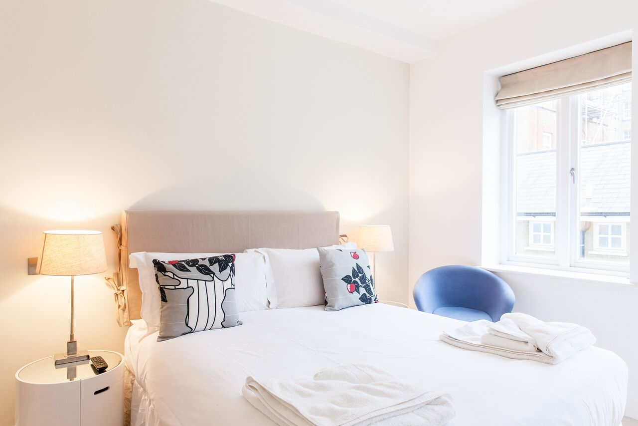 Double bed at Red Lion Street Apartments - Citybase Apartments