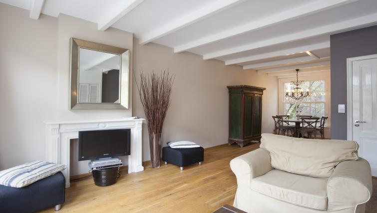 Bright bedroom at Stephan Apartments, Amsterdam - Citybase Apartments