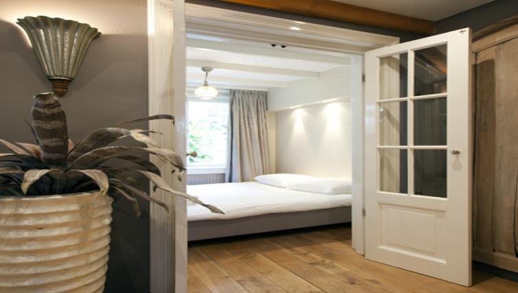 Bedroom at Stephan Apartments, Amsterdam - Citybase Apartments