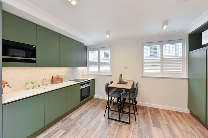 Kitchen diner at 42 James Street Apartments, Marylebone, London - Citybase Apartments