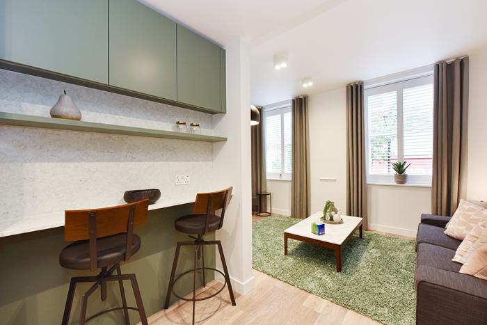 Breakfast bar at 42 James Street Apartments, Marylebone, London - Citybase Apartments