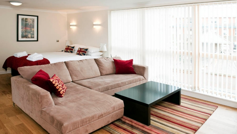 Stunning living area in Byron House Apartments - Citybase Apartments