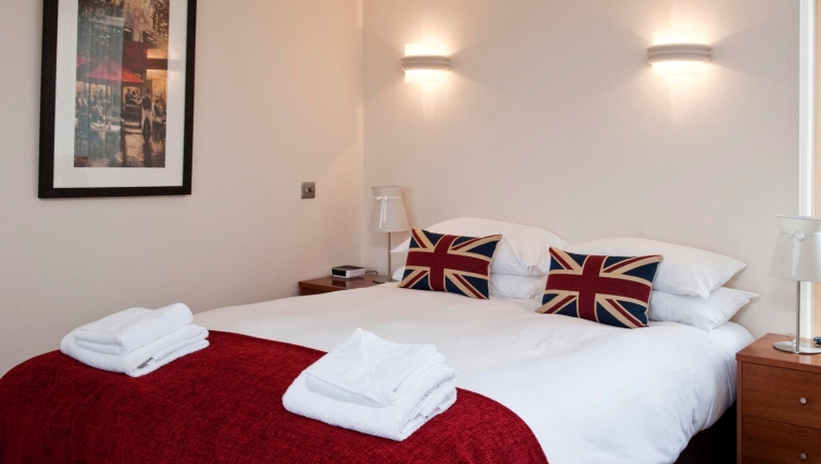 Outstanding bedroom in Byron House Apartments - Citybase Apartments