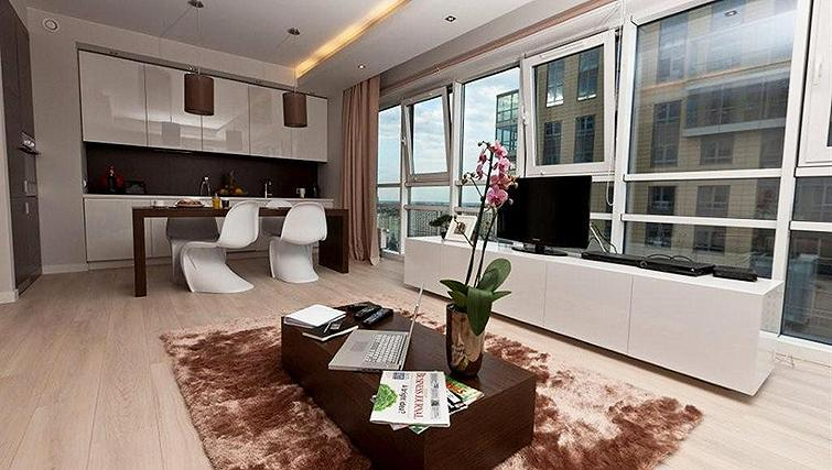 Huge living area in Platinum Residence - Citybase Apartments