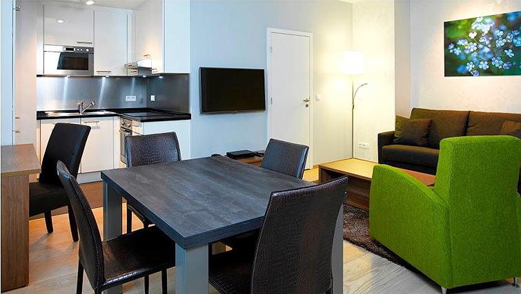 Gorgeous living area in Thon Residence Florence - Citybase Apartments