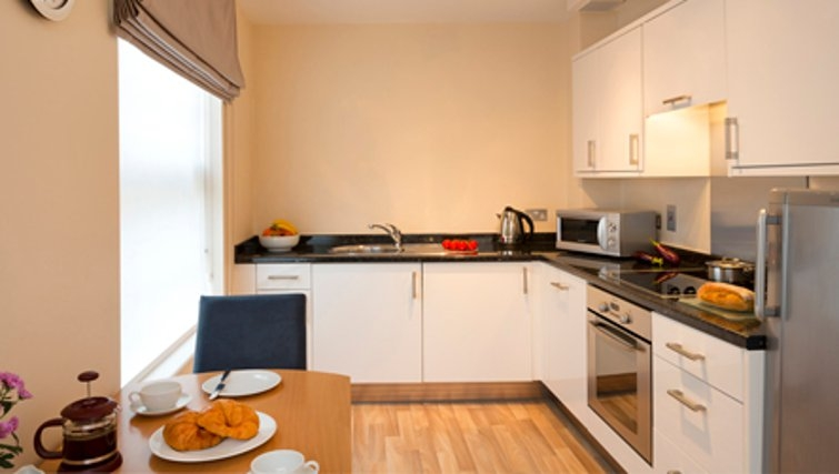 Modern kitchen in SACO Jersey - Merlin House - Citybase Apartments