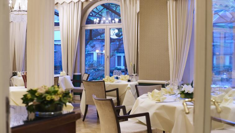 Restaurant at Stanhope Residence Apartments - Citybase Apartments
