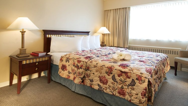 Classy bedroom in Rosellen Suites at Stanley Park - Citybase Apartments
