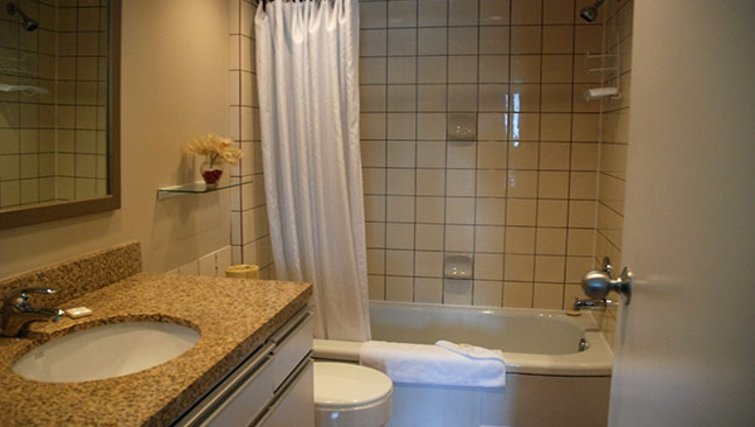 Practical bathroom in Rosellen Suites at Stanley Park - Citybase Apartments