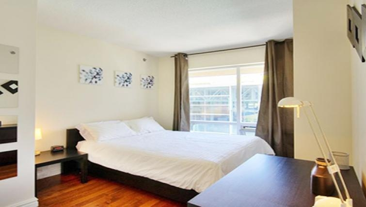 Desirable bedroom in Le 1009 Apartments - Citybase Apartments