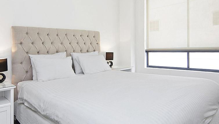 Contemporary bedroom in Astra Sydney CBD Windsor on Kent - Citybase Apartments