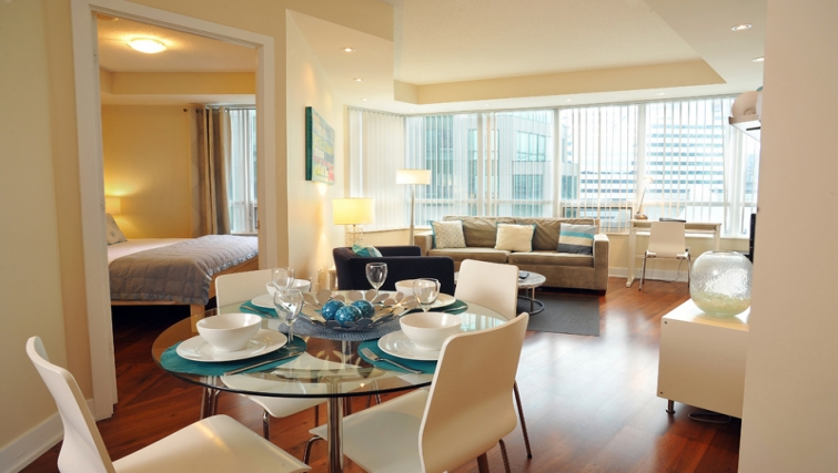 Sophisticated dining area in 20 Blue Jays Way - Citybase Apartments