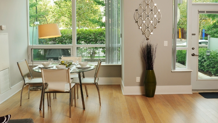 Gorgeous dining area in 120 Homewood Apartments - Citybase Apartments