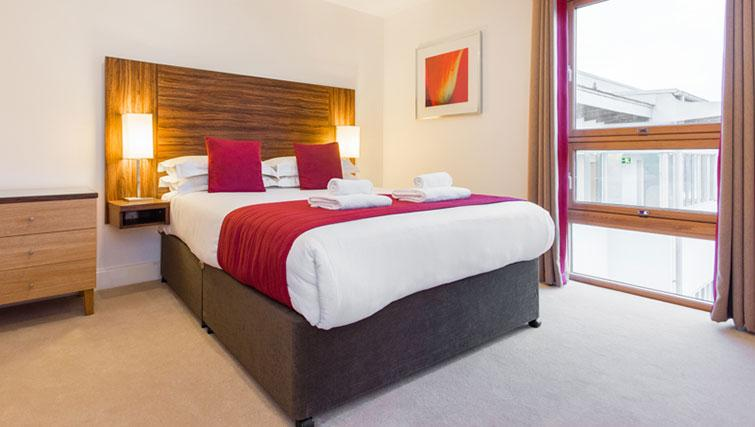 Attractive bedroom in Premier Suites Plus Cabot Circus Apartments - Citybase Apartments