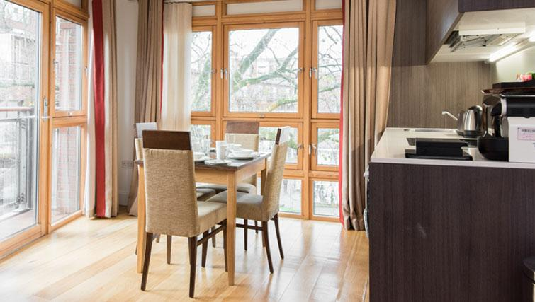 Dining area in Premier Suites Plus Cabot Circus - Citybase Apartments