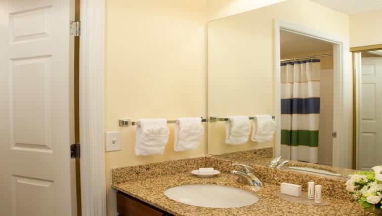 Ideal bathroom in Residence Inn Boston Woburn - Citybase Apartments