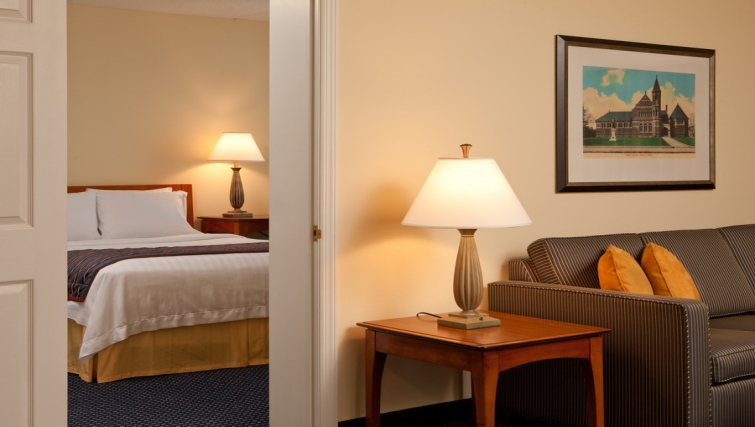 Relaxing living area in Residence Inn Boston Woburn - Citybase Apartments
