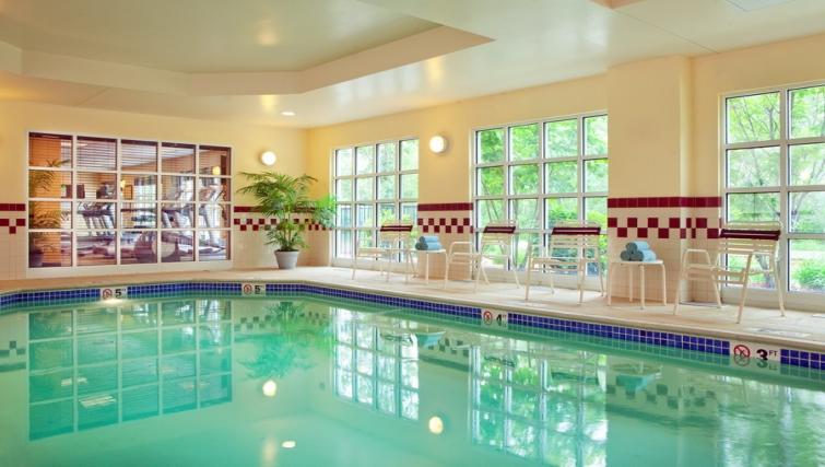 Gorgeous pool in Residence Inn Boston Woburn - Citybase Apartments