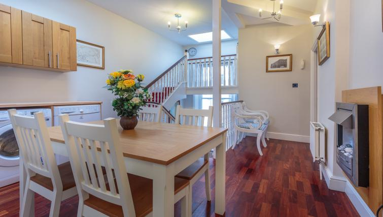 Dining space at Castletown House - Citybase Apartments