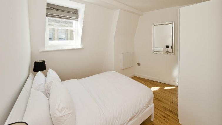 Delightful bedroom in Native London Bridge Apartments - Citybase Apartments