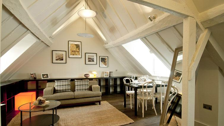 Stunning living area in Native Cannon Street Apartments - Citybase Apartments
