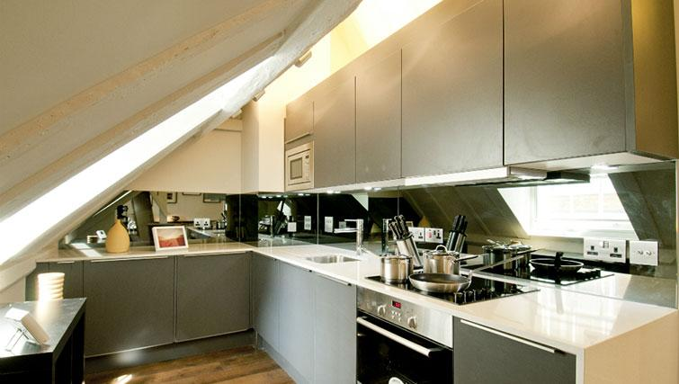Modern kitchen in Native Cannon Street Apartments - Citybase Apartments