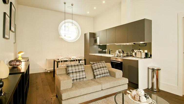 Living space at Native Cannon Street Apartments - Citybase Apartments