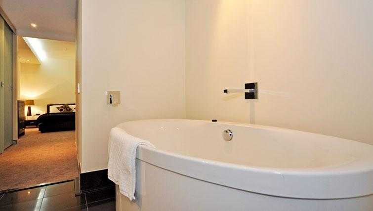 Desirable bathroom in Astra Perth CBD St Georges Terrace - Citybase Apartments