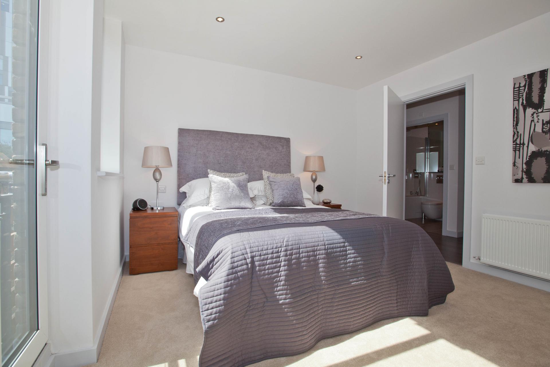 Sleep at One Whites Row Apartments, Liverpool Street, London - Citybase Apartments