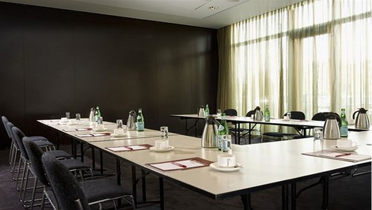 Executive meeting room at Adina Apartment Hotel Copenhagen - Citybase Apartments