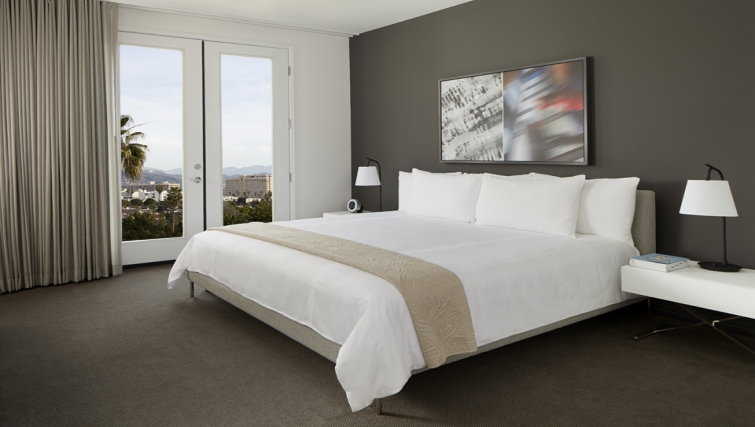 Divine bedroom in AKA Beverly Hills - Citybase Apartments