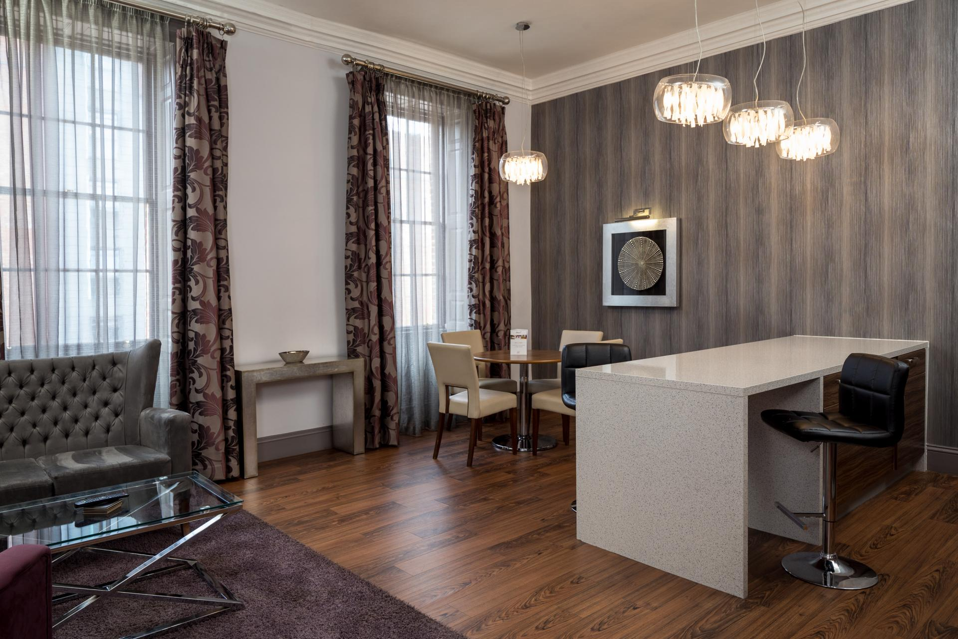 Desk at Roomzzz Newcastle City Apartments - Citybase Apartments
