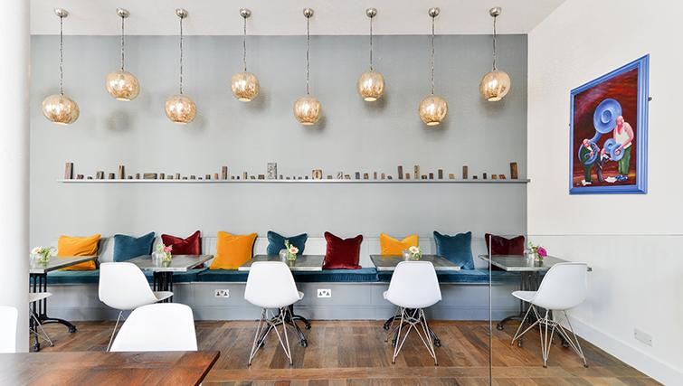Cafe at The Rosebery Apartments - Citybase Apartments