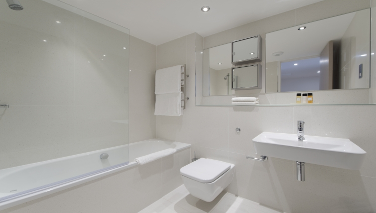Immaculate bathroom in The Rosebery Aparthotel - Citybase Apartments