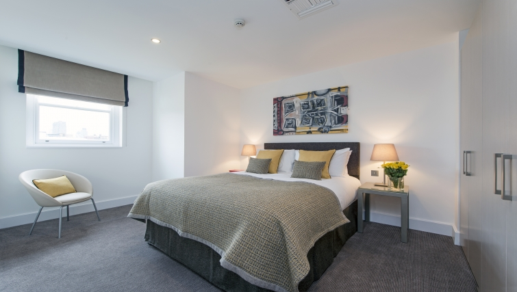 Cosy bedroom in The Rosebery Aparthotel - Citybase Apartments