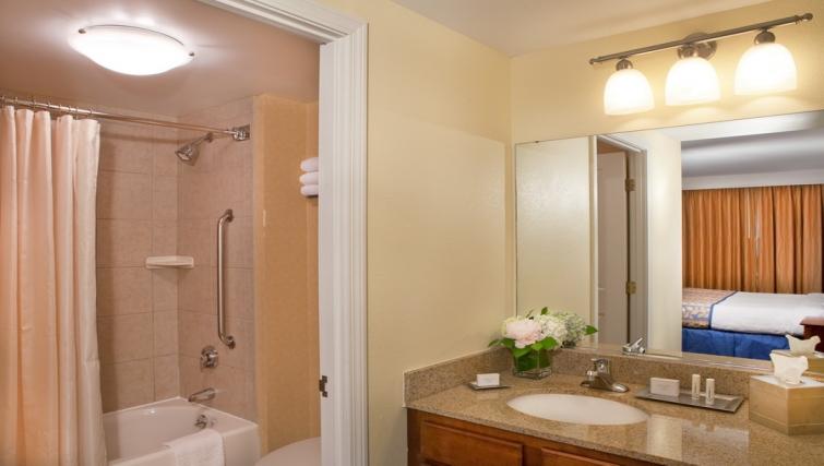 Bright bathroom in Residence Inn Boston Harbor on Tudor Wharf - Citybase Apartments