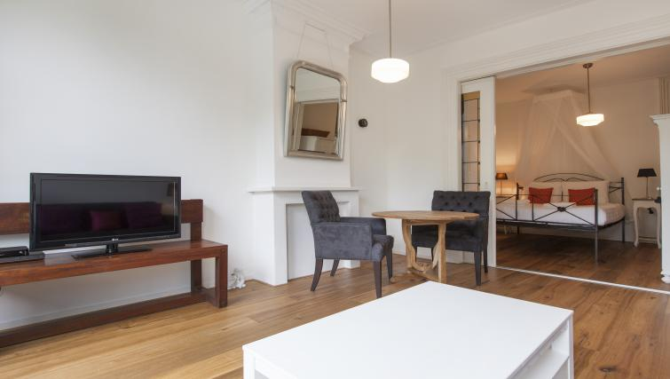 Dining area at Marite Apartments, Amsterdam - Citybase Apartments
