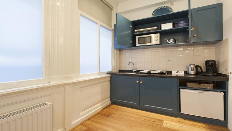 Kitchenette at Marite Apartments, Amsterdam - Citybase Apartments