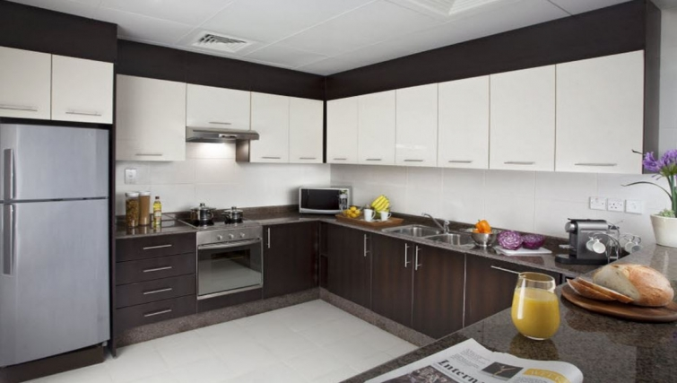 Equipped kitchen in Hyatt Residence Doha West Bay - Citybase Apartments