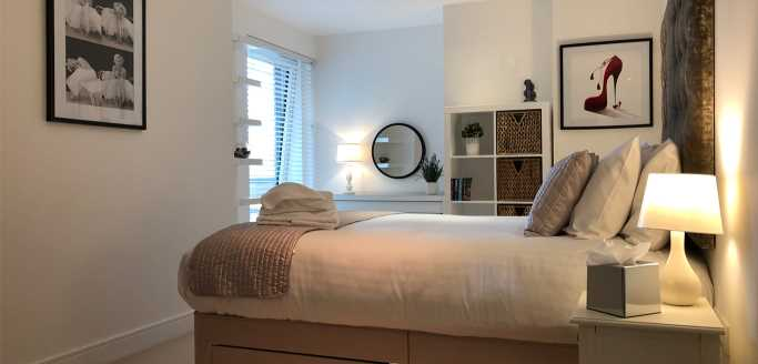 Two bedroom master bedroom at Kew Bridge Piazza Apartments - Citybase Apartments