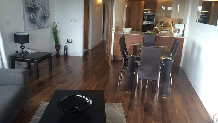 Dining table at Kew Bridge Piazza Apartments - Citybase Apartments